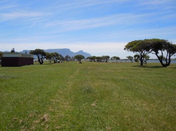 Zandvlei_Cape Town_South Africa_Magic Mountain
